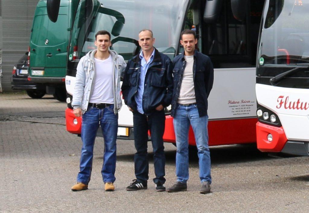 Rexhep Ajvazi (angehender Ingenieur), Xhevdet Ajvazi (Geschäftsführer), Fatbardh Ajvazi (Verkehrsleiter)